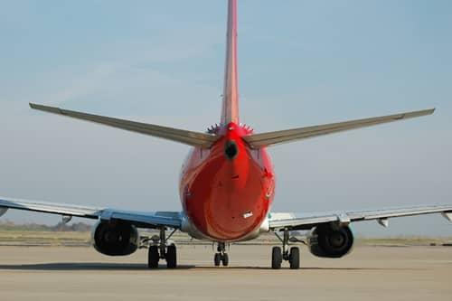 Transporte de cargas e encomenda aérea
